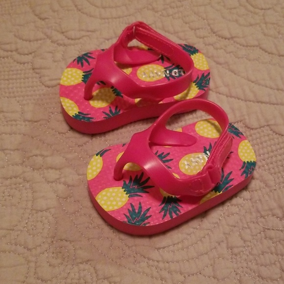 Old Navy Baby Girl Flip Flops | Poshmark